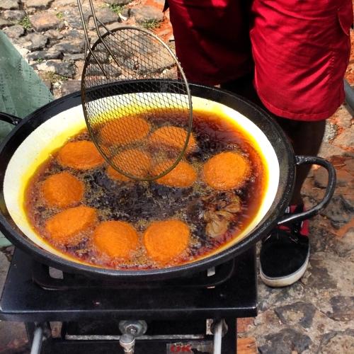 frying acarajes